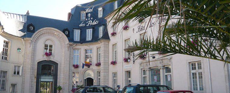 Façade de l'Hôtel des Prélats à Nancy