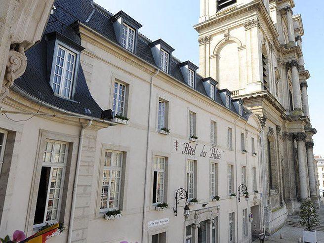 Devanture de l'hôtel au centre de Nancy